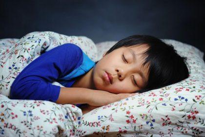 「子供 睡眠時間」アイキャッチ画像