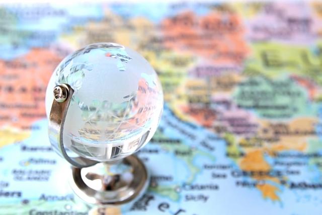 地図と地球儀