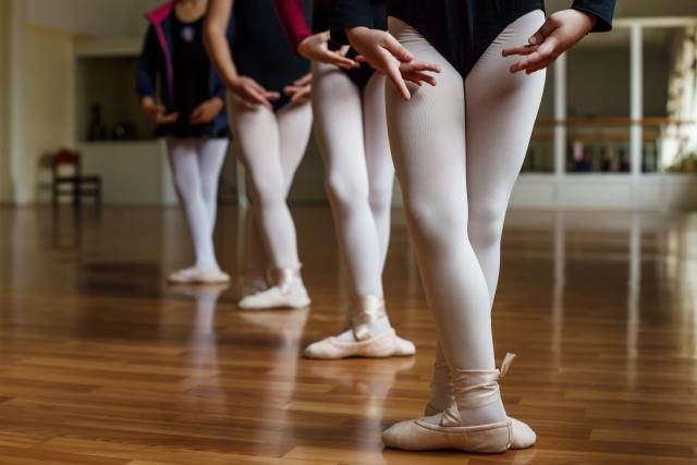 バレエをする子たち
