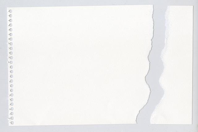 破れた画用紙