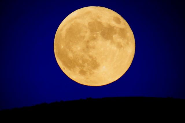 まん丸お月様