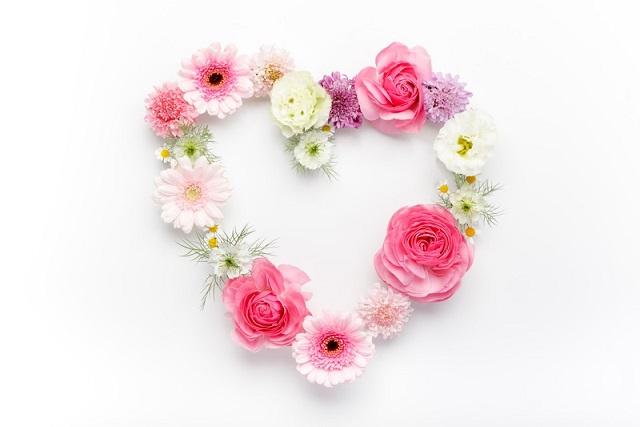 お花でできたキレイなハート