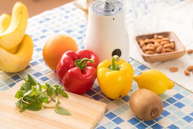 カラフルな野菜と果物