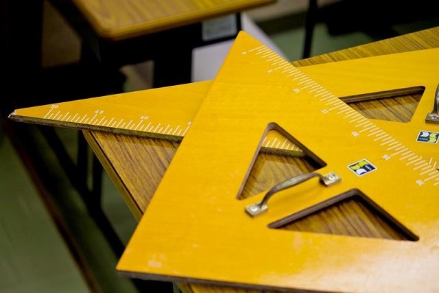 大きな黄色い三角定規