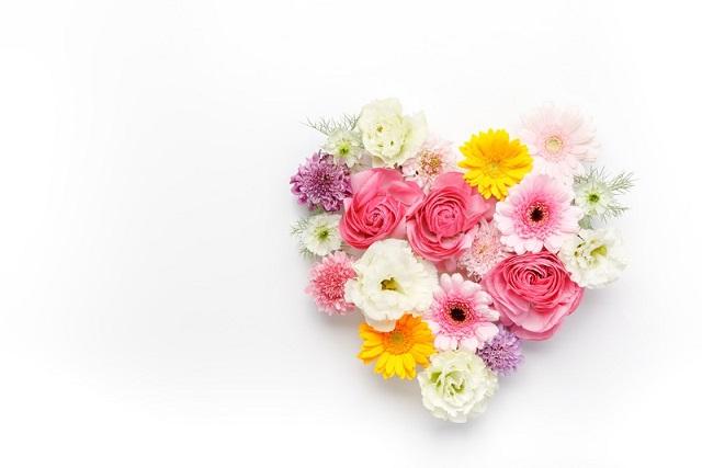 お花でハート型