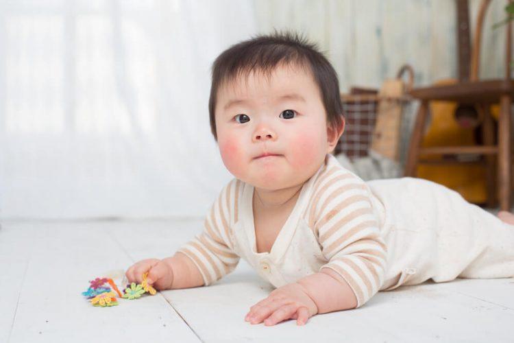 「赤ちゃん 歩く」アイキャッチ画像