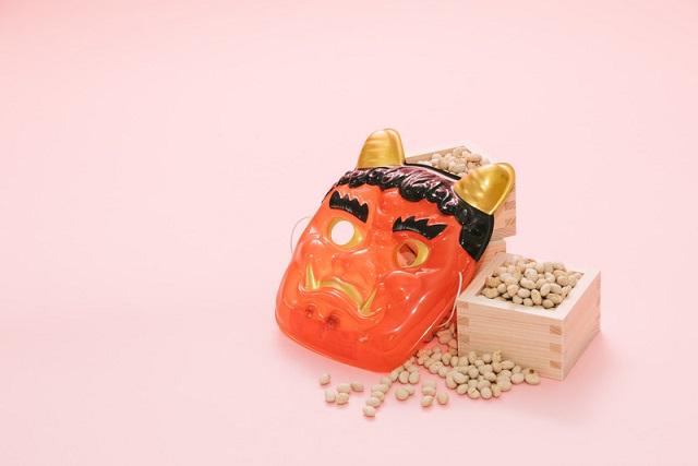 赤い鬼と豆
