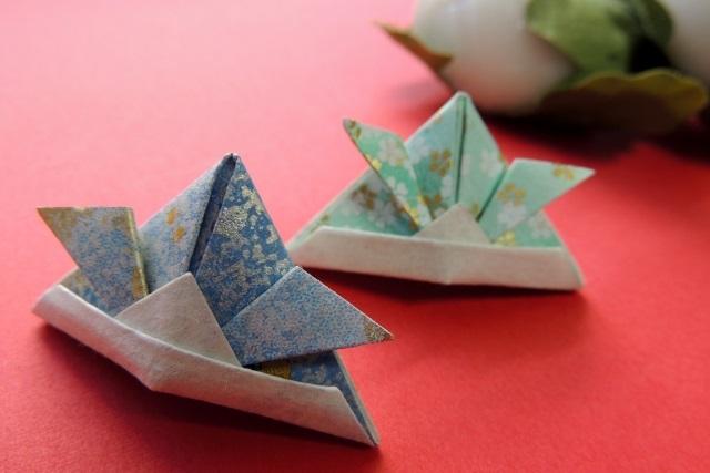 折り紙でできた兜